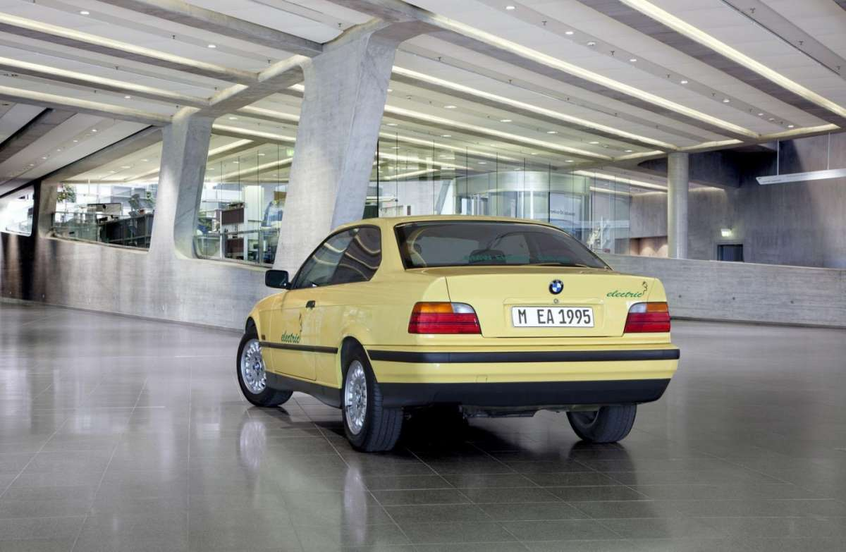 BMW 325 Electric coda