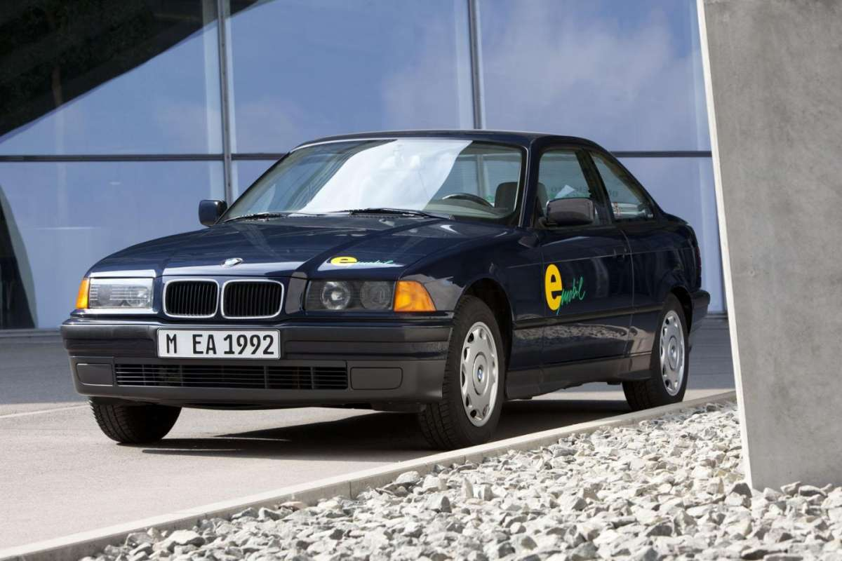 BMW 325 Electric frontale