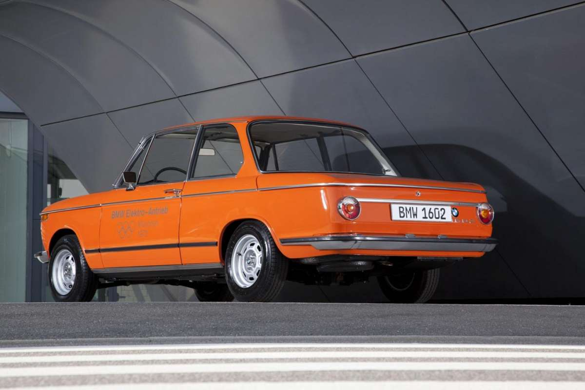 BMW 1602 Electric posteriore