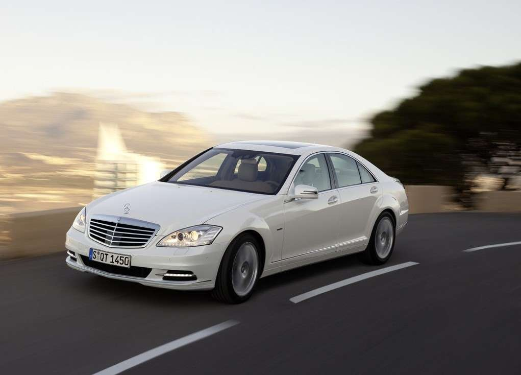 Mercedes S400 BlueHybrid, fari a led