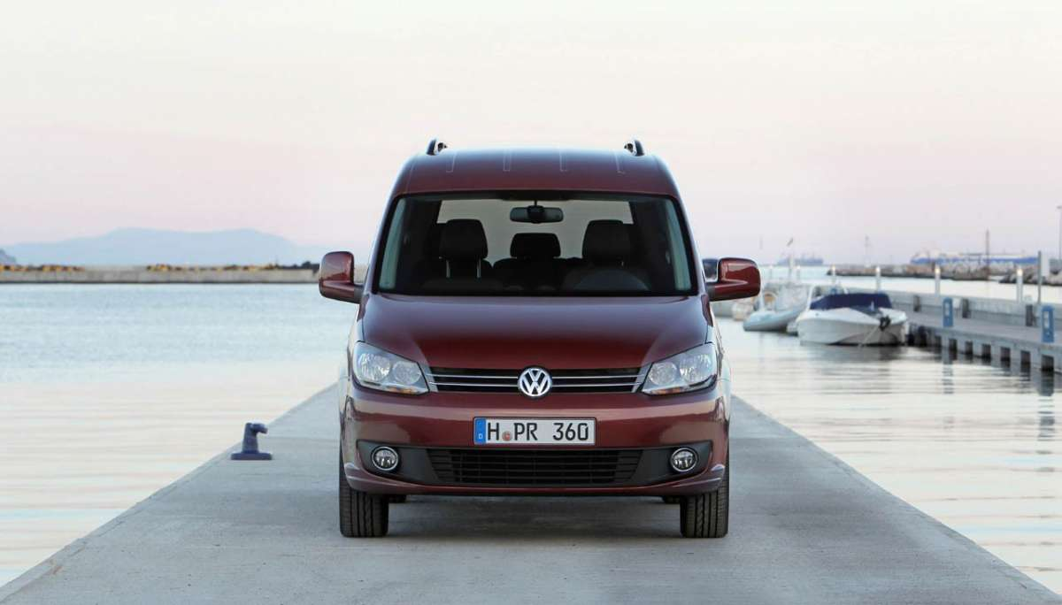 Volkswagen Caddy 2011 vista da davanti