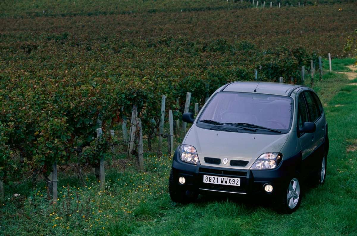 Renault Scenic RX4 frontale 2