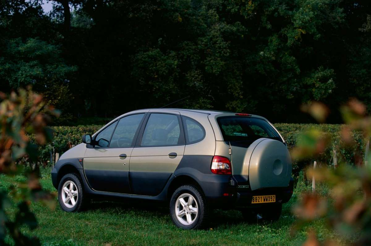 Renault Scenic RX4 laterale