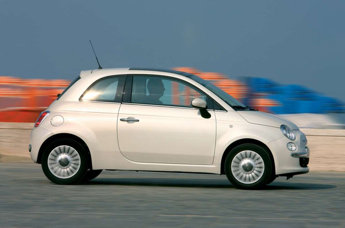 Fiat 500 laterale 2