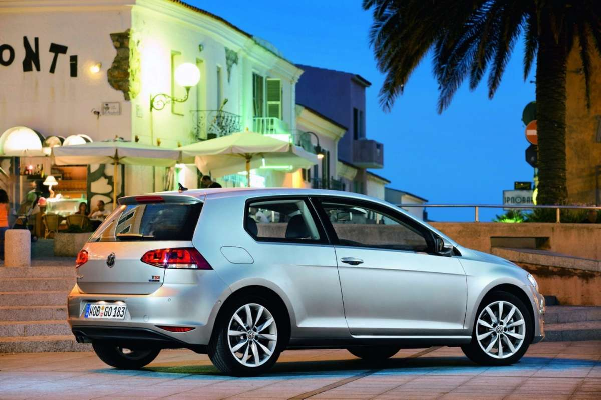 Volkswagen Golf 7 3 porte laterale