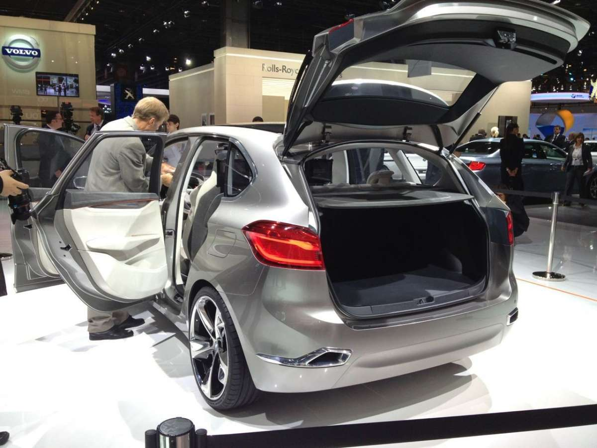 Bmw Active Tourer, Salone di Parigi 2012 (4)