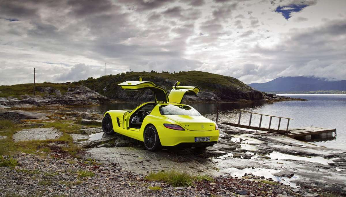 Mercedes SLS AMG E-Cell posteriore
