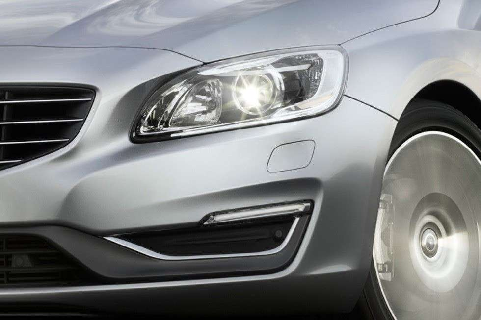 Volvo S60 2013 restyling fanale