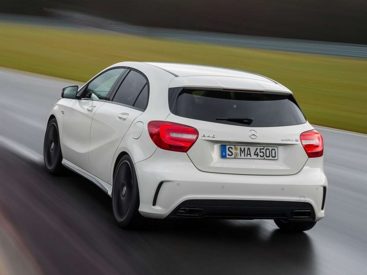 Mercedes A45 AMG posteriore