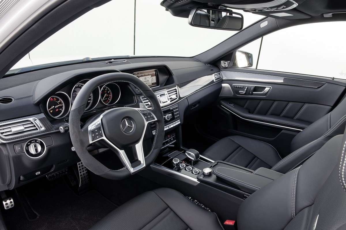 Mercedes E63 AMG interni