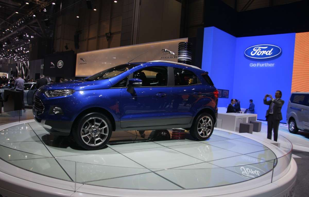 Ford EcoSport, Laterale