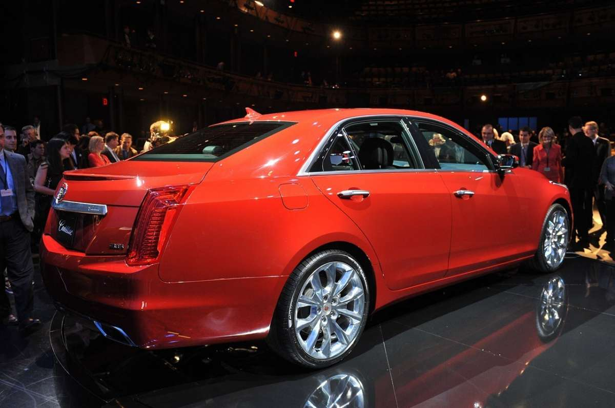 Cadillac CTS posteriore