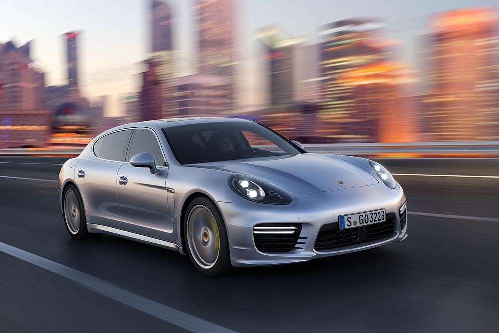 Porsche Panamera Turbo Executive, led