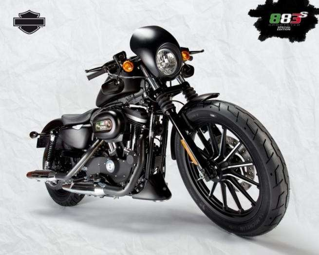 Visione d'insieme dell'Harley-Davidson Sportster Iron 883 Special Edition