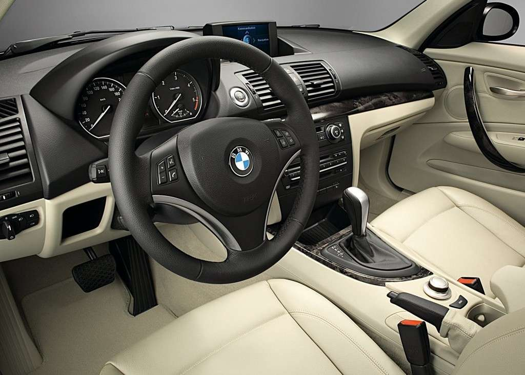 Bmw Serie 1 2008, interni