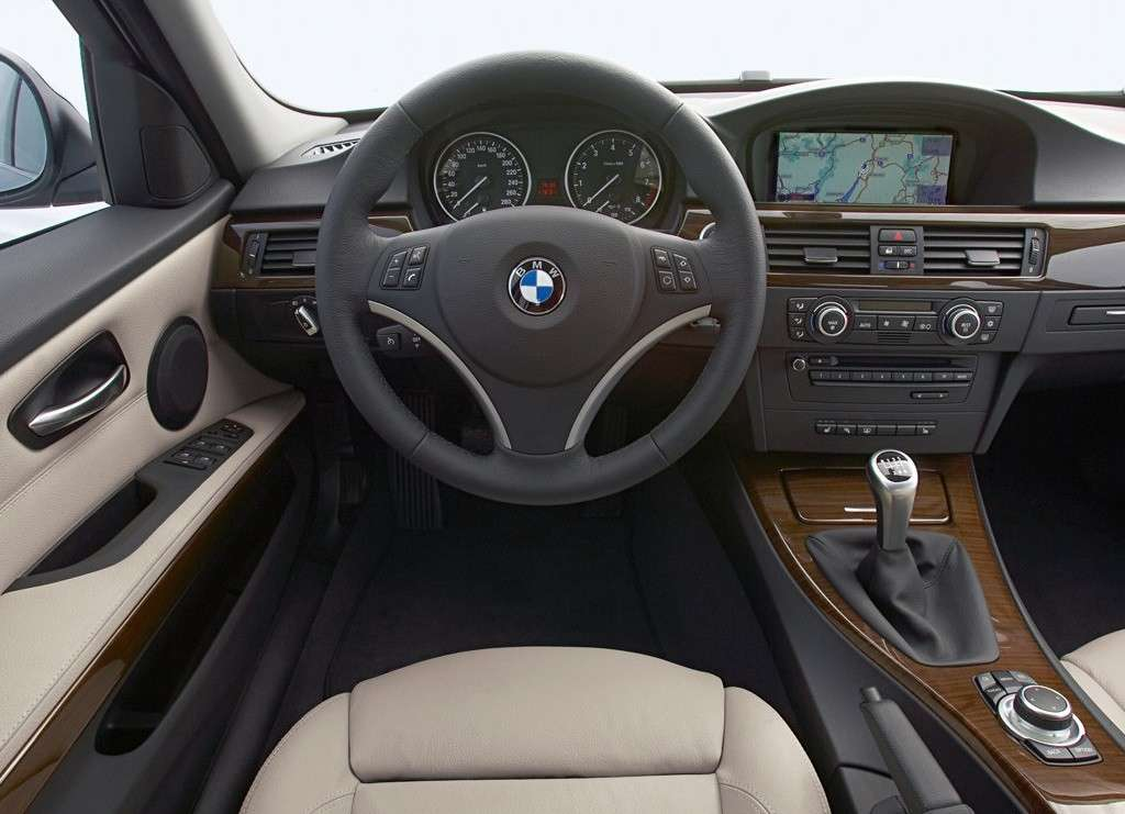 Bmw Serie 3 2009, interni