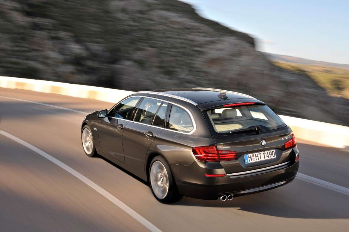 Bmw Serie 5 Touring restyling, lunotto