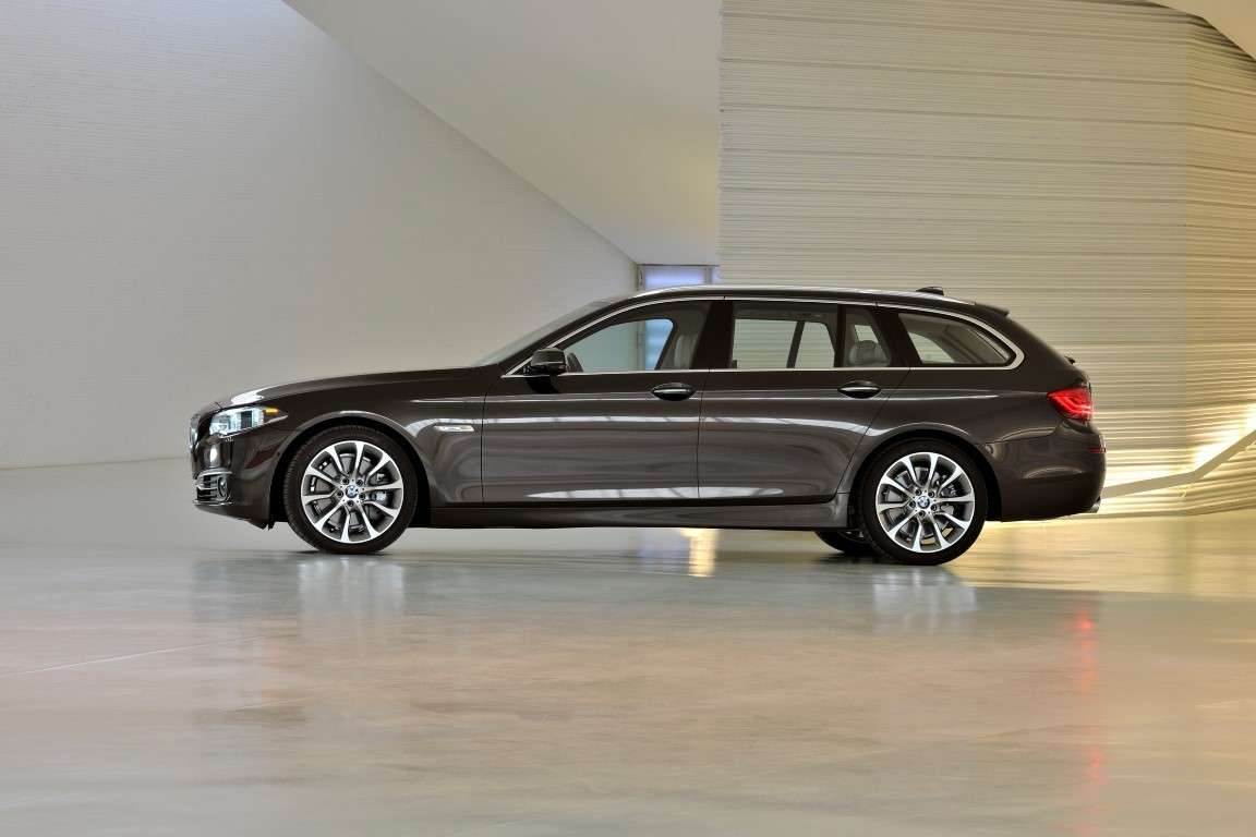 Bmw Serie 5 Touring restyling, passo