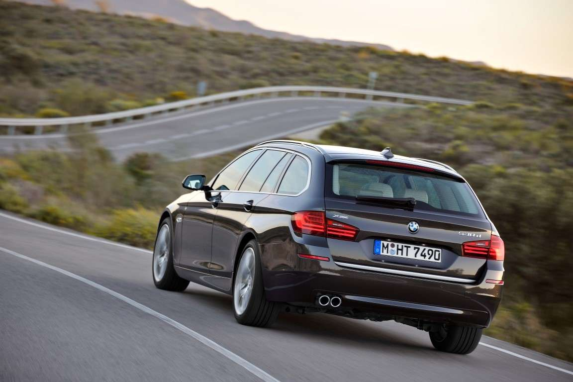 Bmw Serie 5 Touring restyling, scarichi