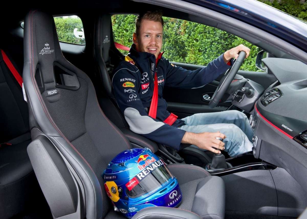 abitacolo Renault Megane RS Red Bull