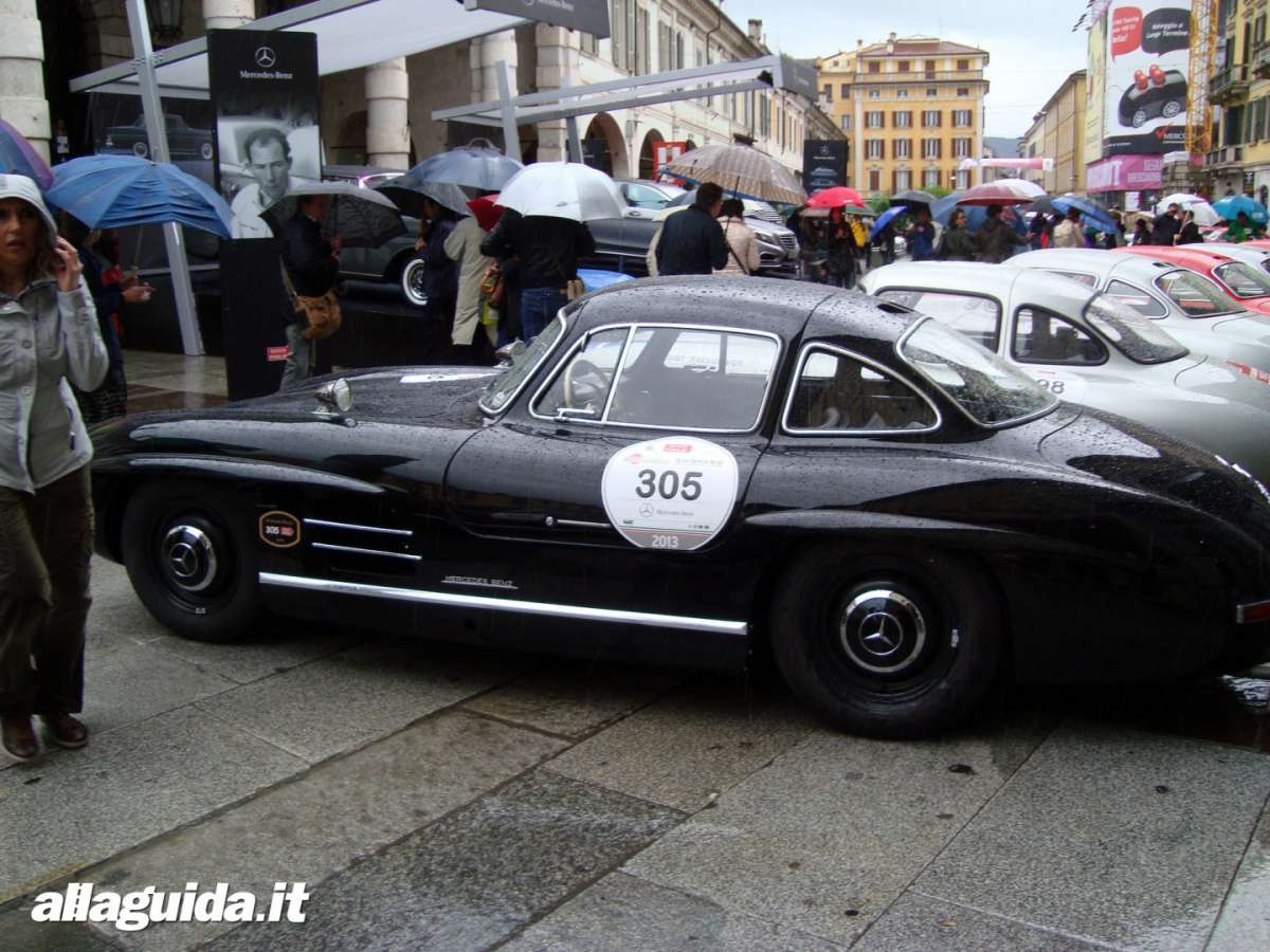 Mercedes Benz 300 SL laterale