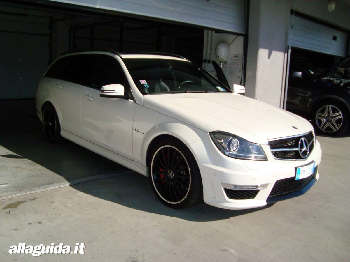 Mercedes C63 AMG Performance Station Wagon