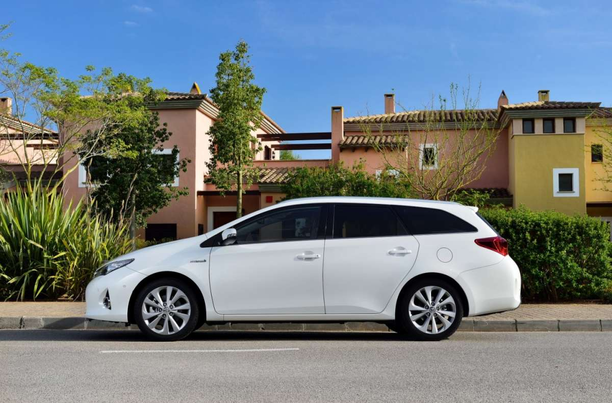 passo Toyota Auris Touring Sports