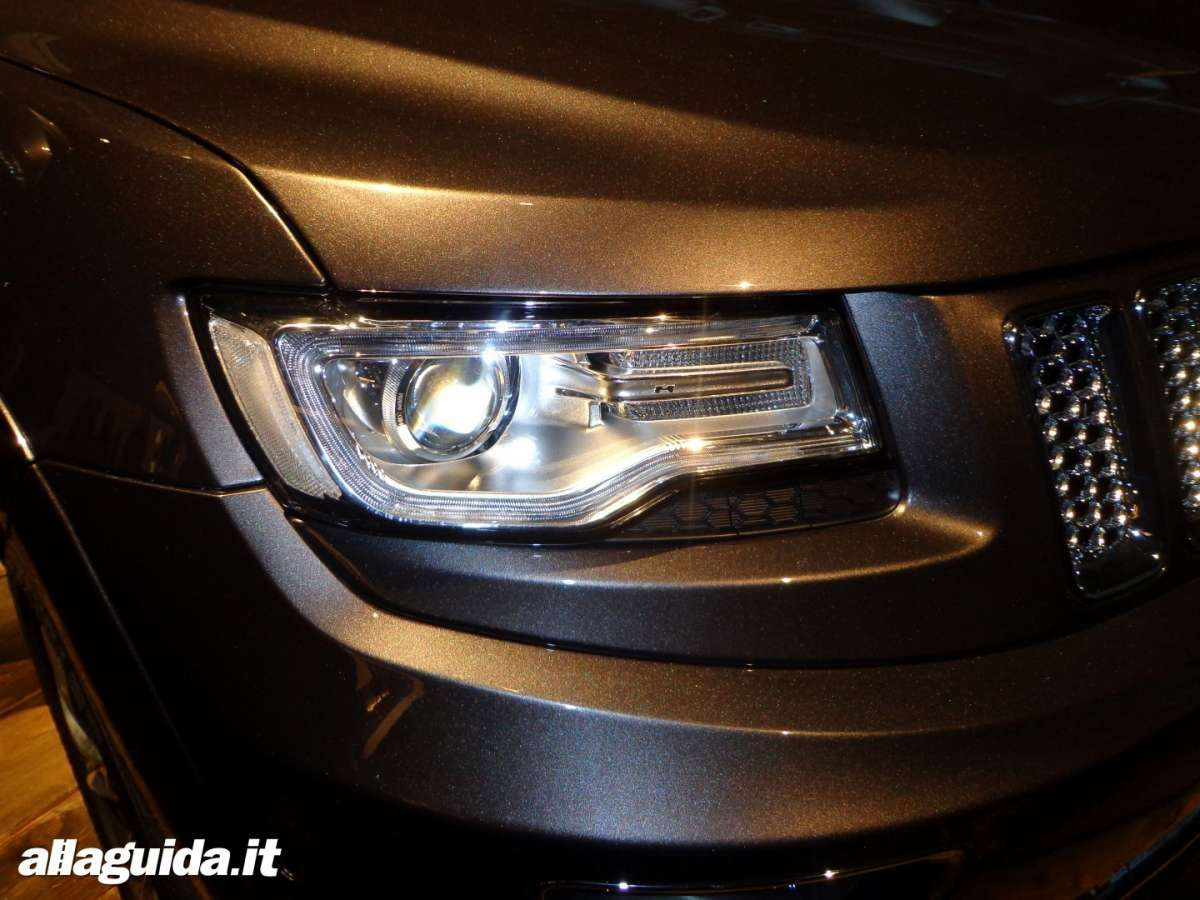 Jeep Grand Cherokee, luci a led