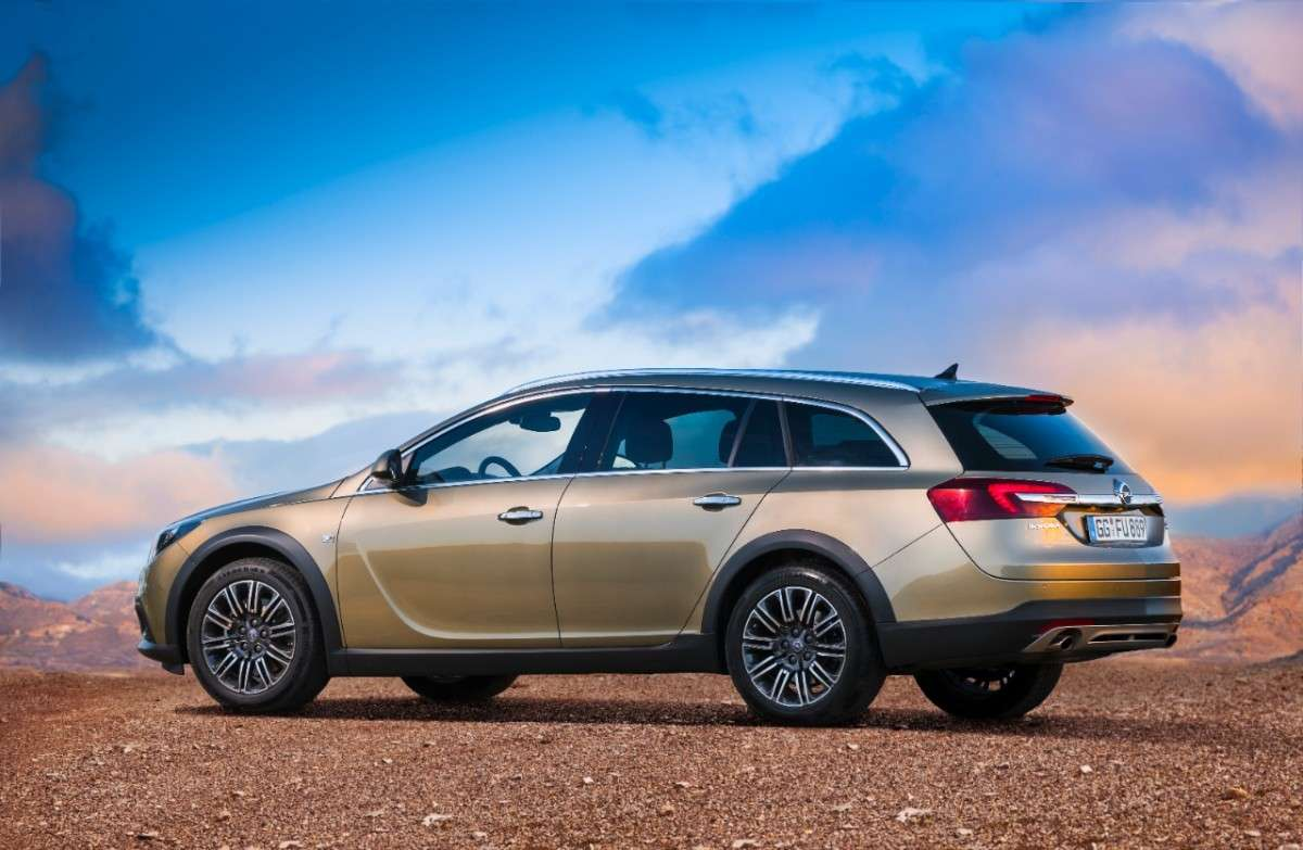 Opel Insignia Country Tourer, motori