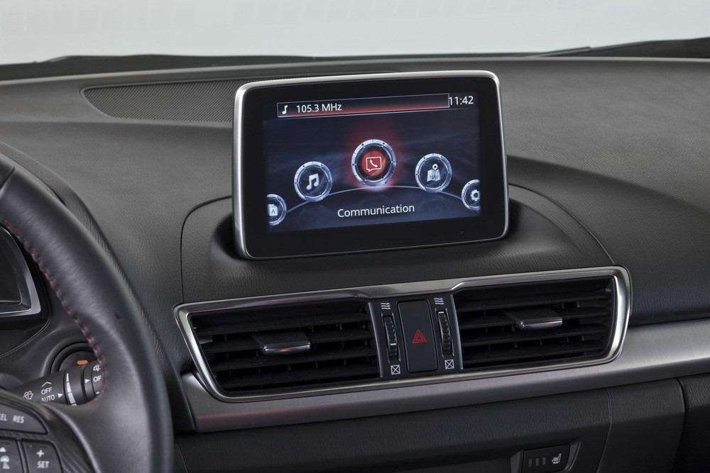 Mazda 3 berlina, infotainment