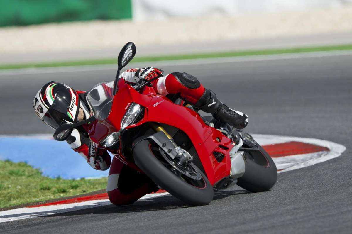 Ducati 1199 Panigale S MY 2013 Bend 1