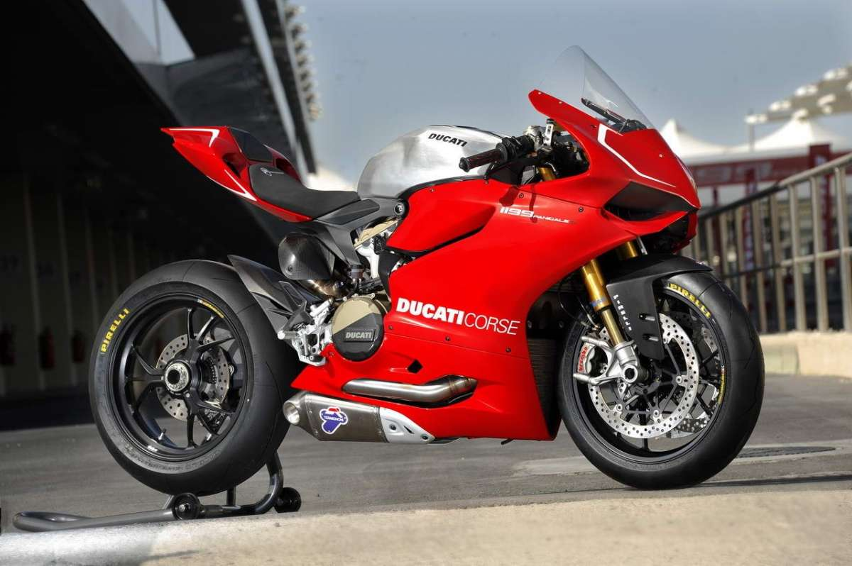 Ducati 1199 Panigale S MY 2013 Side 6