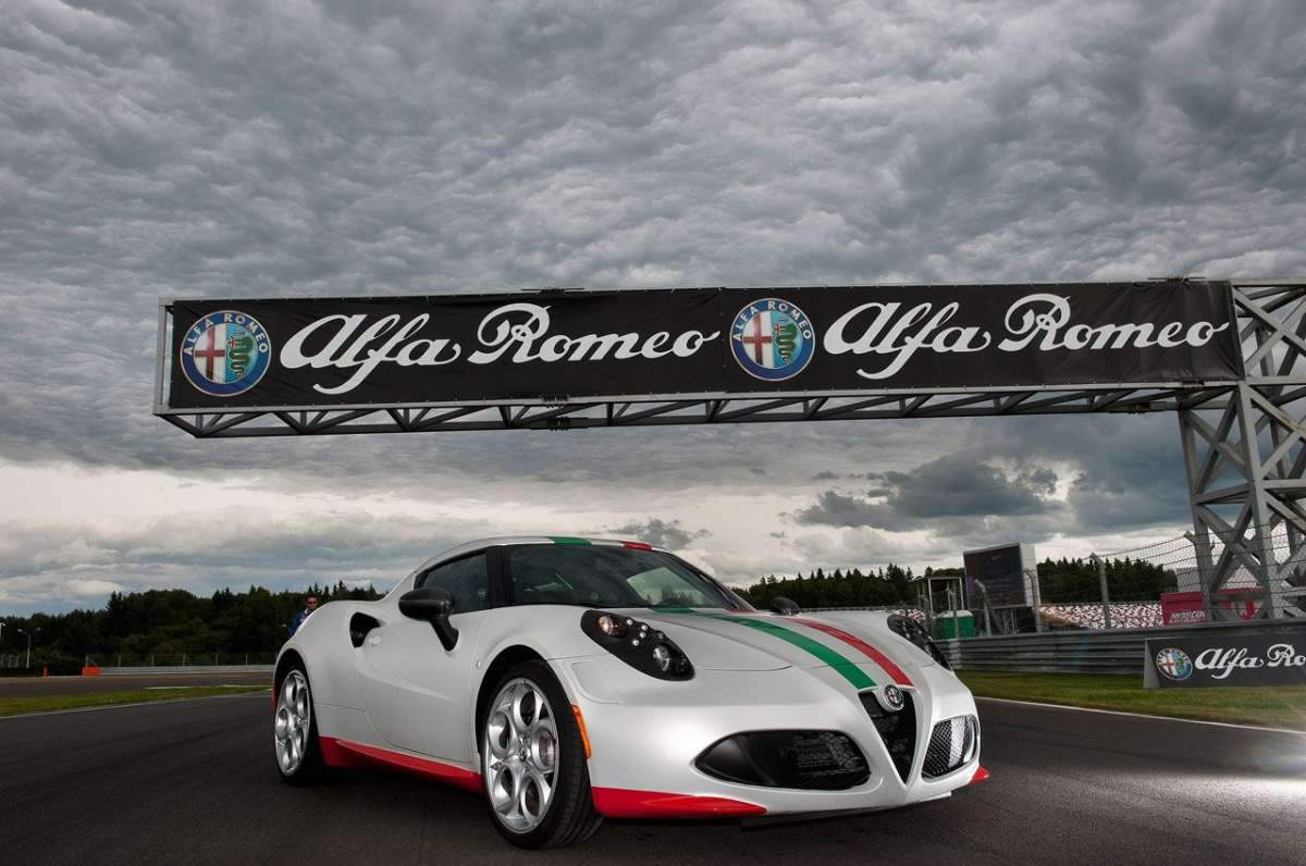 Alfa Romeo 4C Safety Car SBK