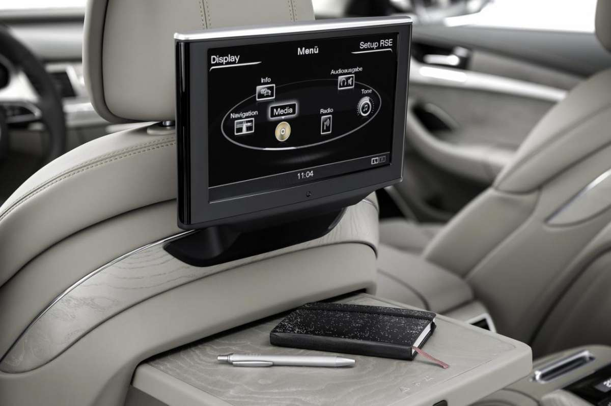 tv con DVD dell'Audi A8 2014