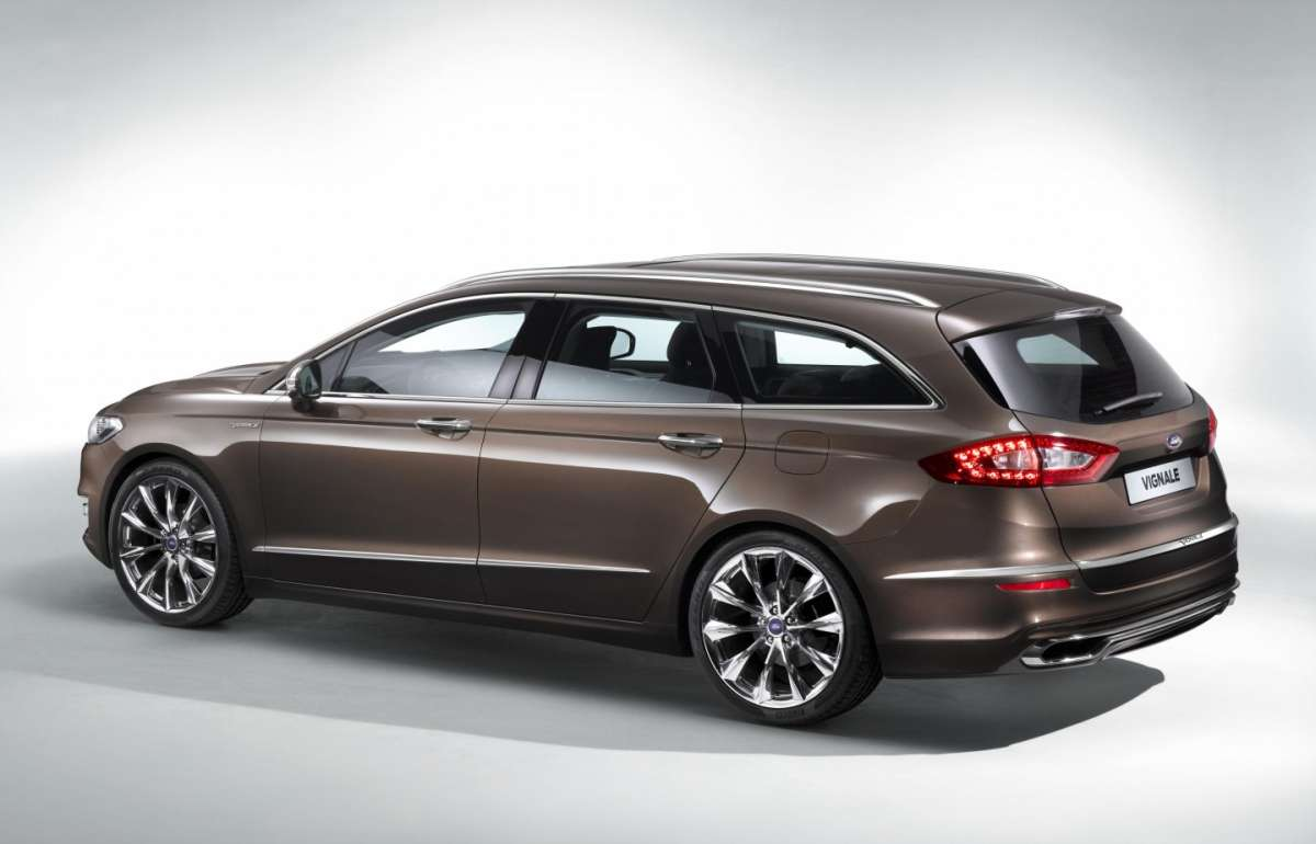 Ford Mondeo Vignale station wagon
