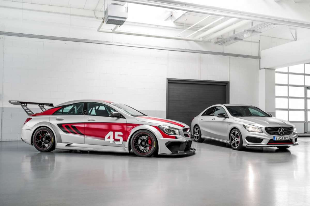 Mercedes CLA 45 Amg Racing Series e normale
