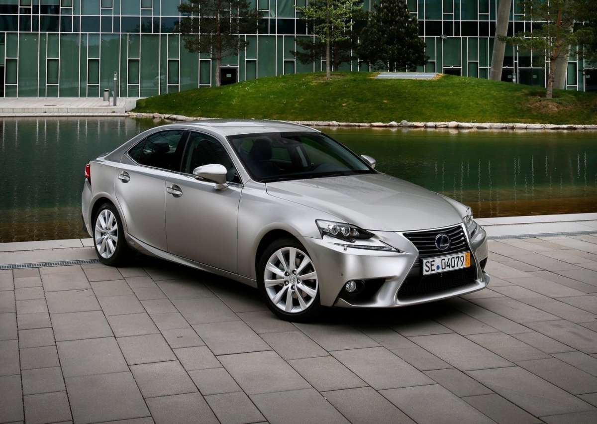 Lexus IS 2014, foto