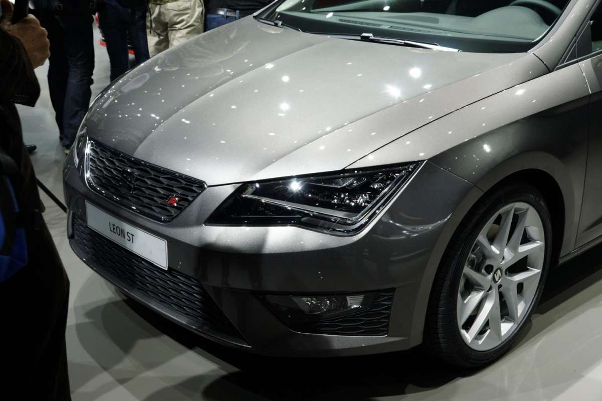 Seat Leon ST, fari full led