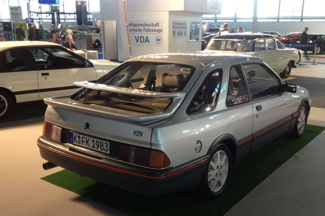 Ford Sierra XR4i posteriore