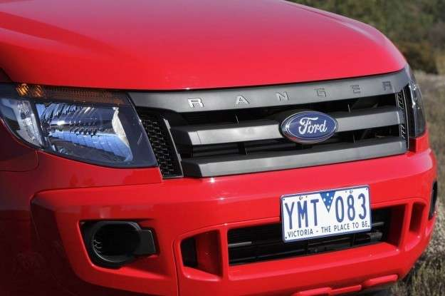 ford-ranger-particolare-frontale