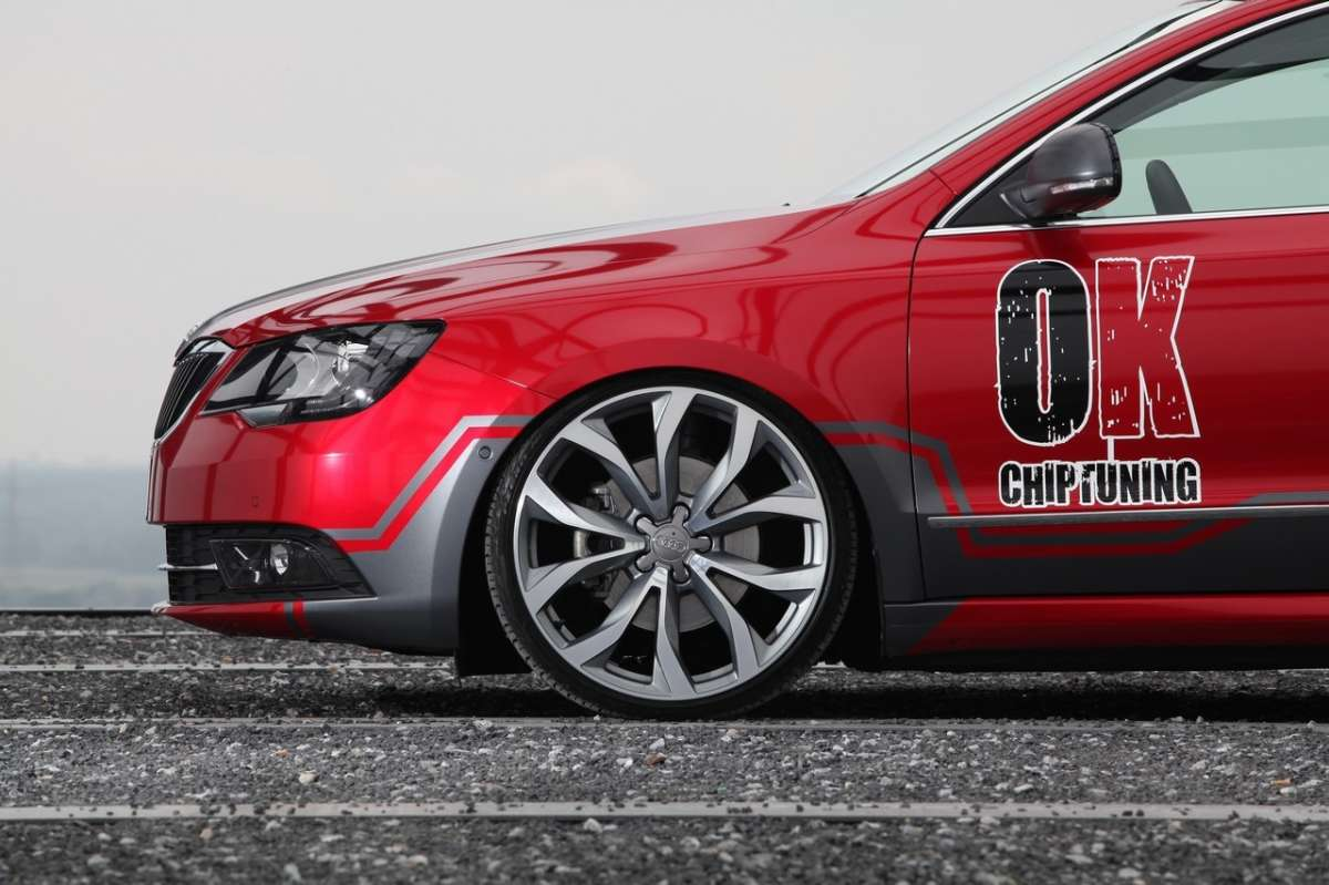 cerchi in lega Audi per la Superb Wagon by OK-Chiptuning