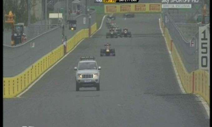 GP Corea F1 2013, jeep in pista (4)