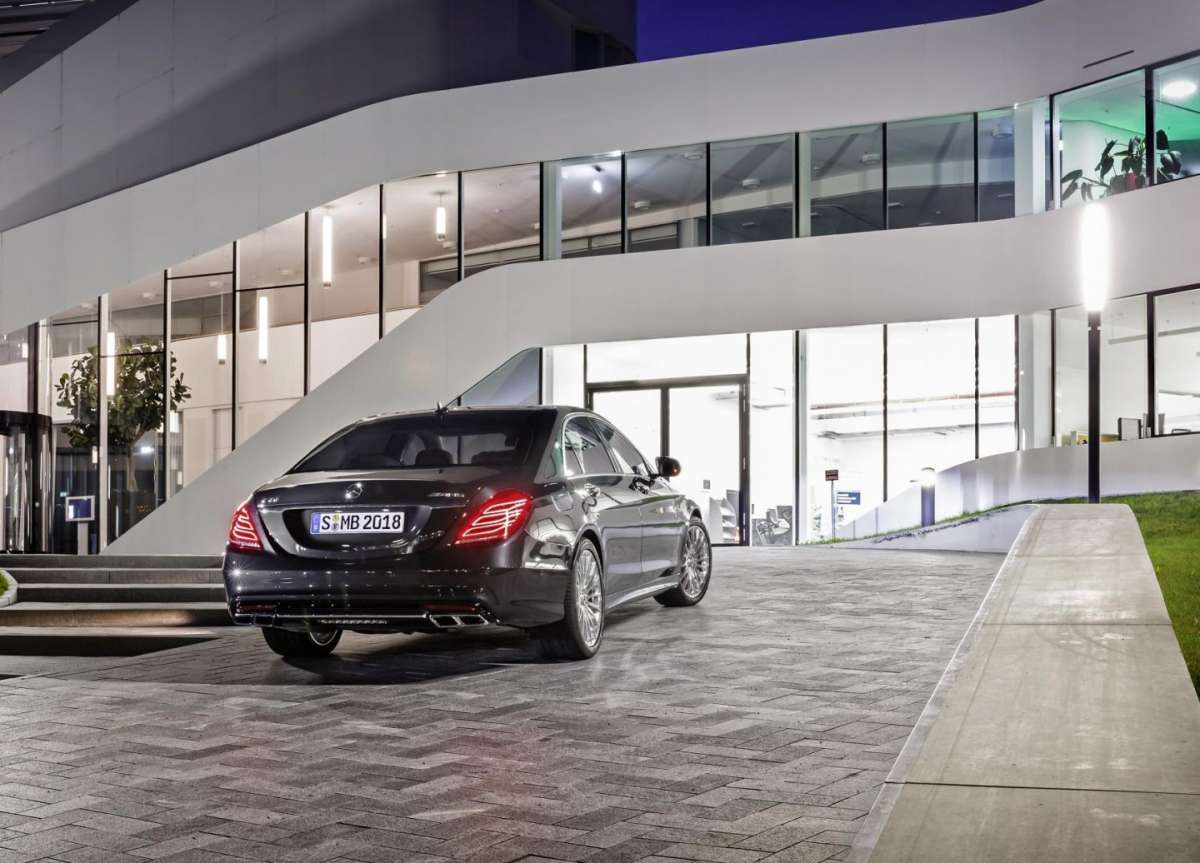 Mercedes S65 Amg, posteriore