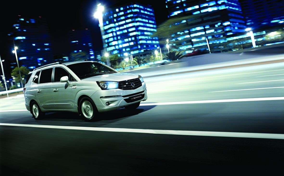 foto ufficiale del Ssangyong Rodius 2014