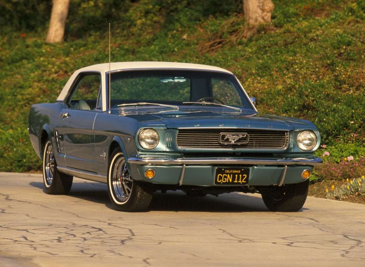 Ford Mustang 1966 anteriore