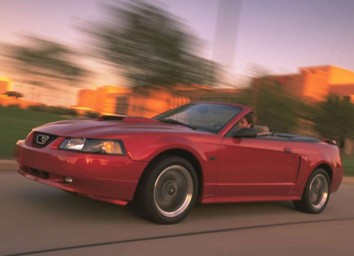 Ford Mustang GT Convertible 2001