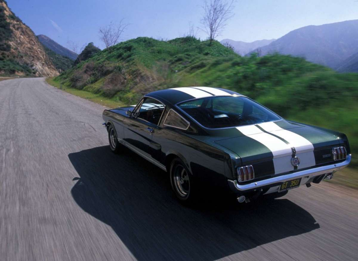 Ford Mustang Shelby GT350 posteriore