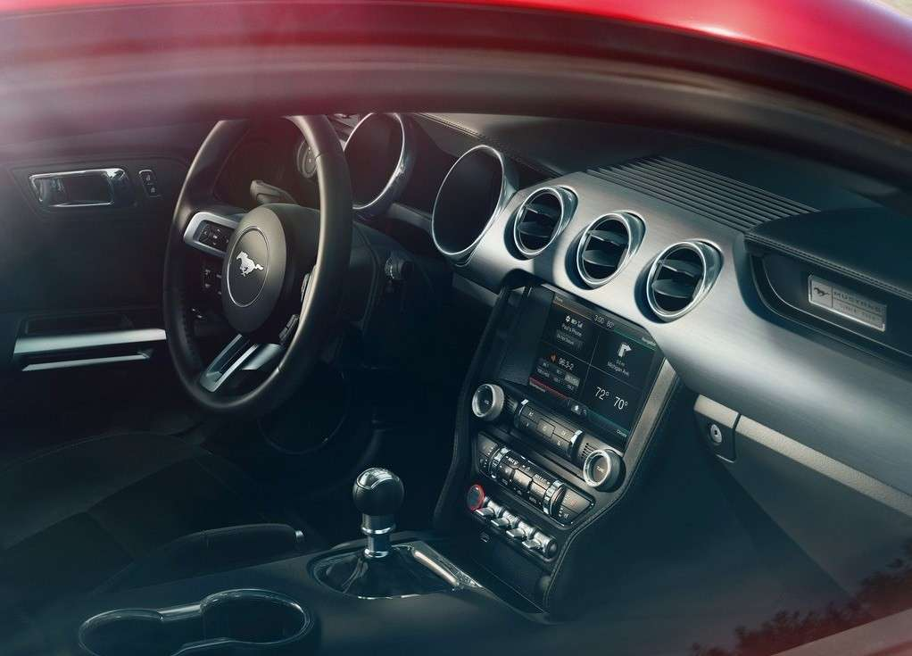 Ford Mustang 2014, abitacolo
