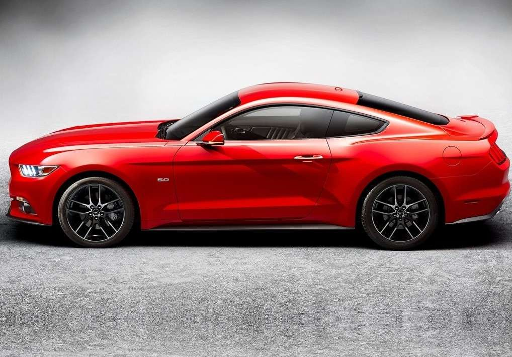 Ford Mustang 2014, dimensioni