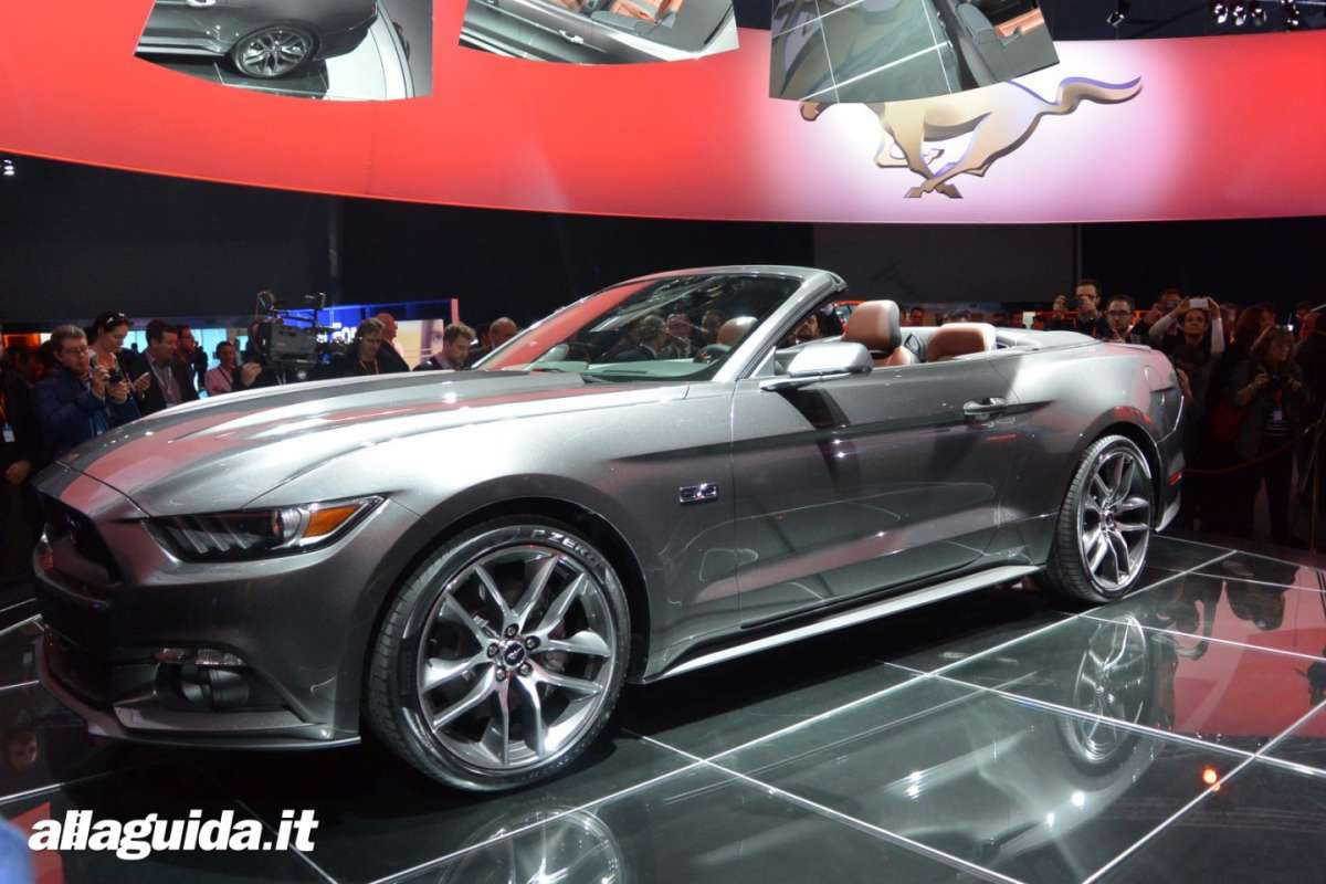 nuova Ford Mustang convertible 2014